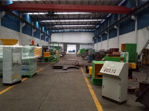 EPS hot melt machine workshop