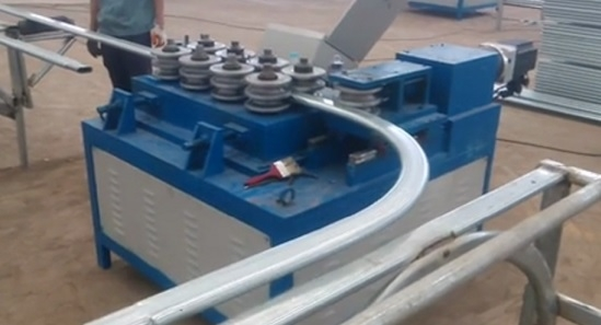 Roll forming machine used in greenhouse
